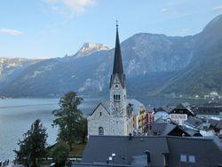 ハルシュタットから望むオーストリア・アルプス山脈
