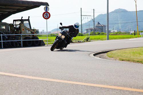 バイクのハンドリング