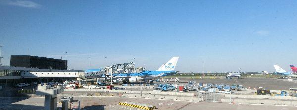 KLMの旅客機で出発しました!