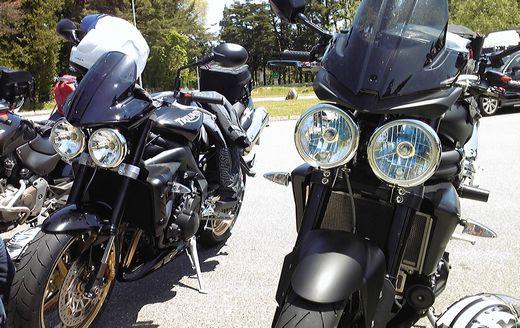 3気筒バイク・ストリートトリプルとスピードトリプル