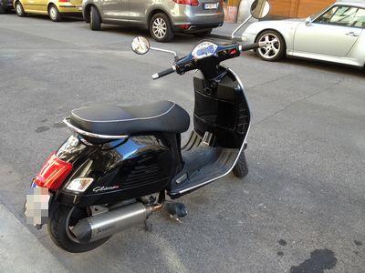 Vespa GTS125i.e