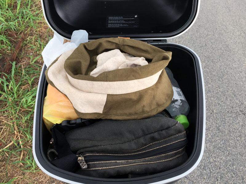 国道477号ツーリングの荷物